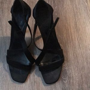 Gucci black high heel shoes in size 7.5